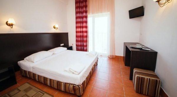 Отель в Евпатории