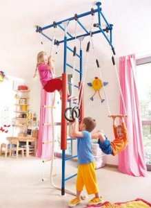 Польза детских спортивных стенок